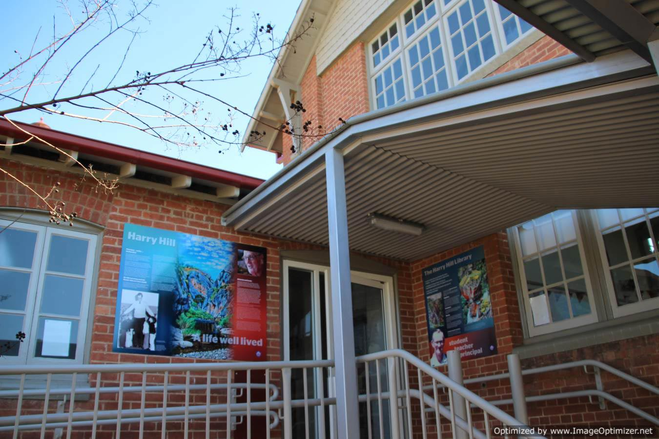 External wall mount signage - Tumut Public School