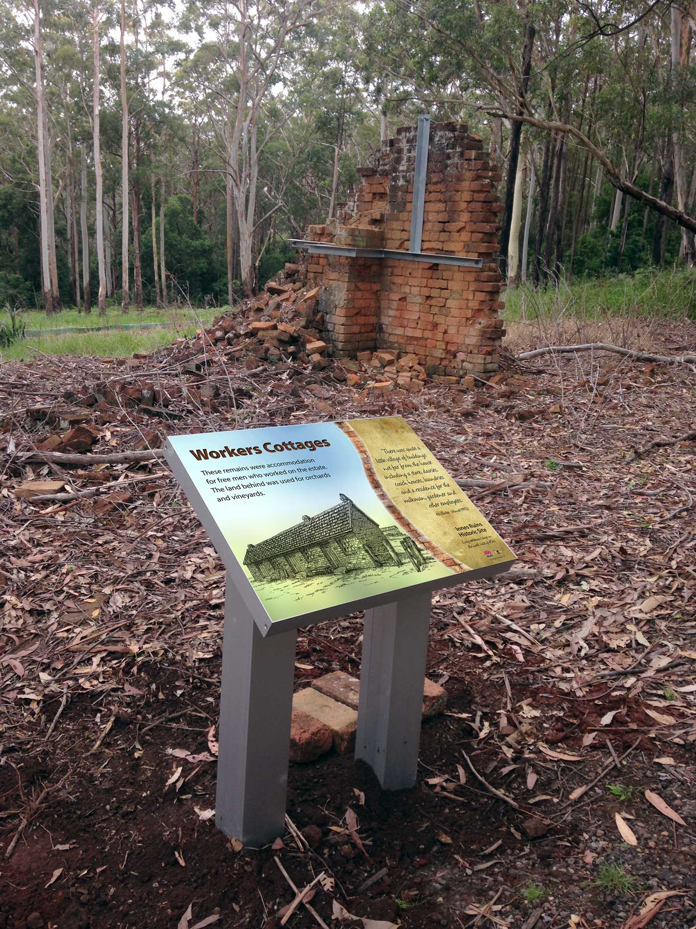 Innes Ruins heritage sign