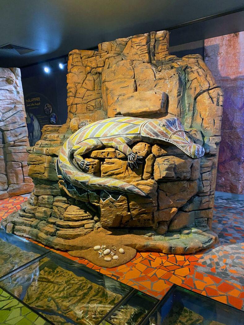 Exhibition Gallery-crocodile pillar